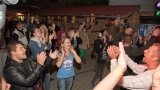 Jak nejlépe ukončit sezónu open air festivalů? Samozřejmě rockovou tancovačkou. (43 / 60)