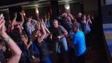 Rocková tancovačka měla v Horažďovicích skvělou atmosféru (20 / 48)