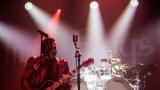 Three Days Grace si po roce přijeli znovu podmanit Prahu (54 / 87)