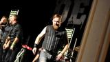 Rockové melodické písničky i smutnější balady si zazpívali fanoušci v Písku s kapelou Desmod (44 / 44)