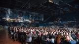 Publikum na plzeňském koncertě Smokie nevydrželo jen v klidu sedět (26 / 69)