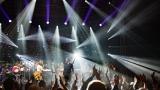 Smokie a DANUBIA ORCHESTRA ÓBUDA se loučili na pódiu se slzami v očích. (10 / 96)