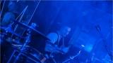 Klub zahalen do dýmu a mraky nadšených fanynek: Tak vypadal čtvrteční koncert kapely Mandrage v pražském Rock Café (20 / 69)