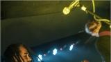 Klub zahalen do dýmu a mraky nadšených fanynek: Tak vypadal čtvrteční koncert kapely Mandrage v pražském Rock Café (30 / 69)