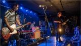 Klub zahalen do dýmu a mraky nadšených fanynek: Tak vypadal čtvrteční koncert kapely Mandrage v pražském Rock Café (34 / 69)