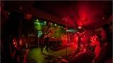 Klub zahalen do dýmu a mraky nadšených fanynek: Tak vypadal čtvrteční koncert kapely Mandrage v pražském Rock Café (43 / 69)