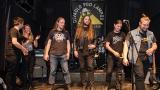 Společné foto vítězných kapel Prayers in Vain a Anteater (90 / 90)