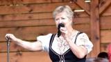 Roztančený Dechovkový festival a libé tóny ovládly Tlumačov! (31 / 54)