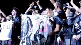 Topfest vypukl, fenomenální kytarista Slash se zpěvákem Mylesem Kennedym  a doprovodnou kapelou The Conspirators si podmanil areál! Neváhejte a doražte si užít druhý den tohoto výjimečného festivalu! (9 / 20)