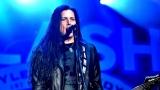 Topfest vypukl, fenomenální kytarista Slash se zpěvákem Mylesem Kennedym  a doprovodnou kapelou The Conspirators si podmanil areál! Neváhejte a doražte si užít druhý den tohoto výjimečného festivalu! (14 / 20)