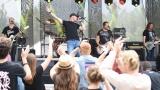 První ročník benefičního Rocfestu Nučice je za námi. Akce plná dobré muziky, nadšených návštěvníků a dobré myšlenky se povedla na výbornou. (17 / 182)