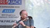 První ročník benefičního Rocfestu Nučice je za námi. Akce plná dobré muziky, nadšených návštěvníků a dobré myšlenky se povedla na výbornou. (52 / 182)