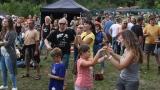 První ročník benefičního Rocfestu Nučice je za námi. Akce plná dobré muziky, nadšených návštěvníků a dobré myšlenky se povedla na výbornou. (76 / 182)