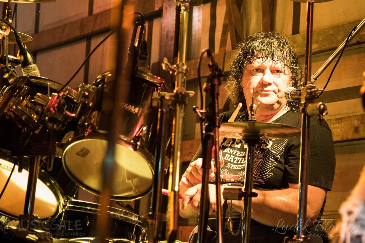 Kapela Sifon rock s Jirkou Vébrem