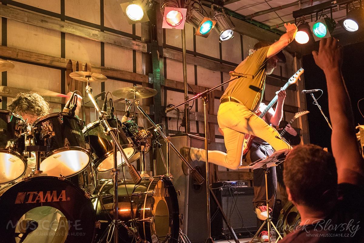 Kapela Sifon rock s Jirkou Vébrem a hosty