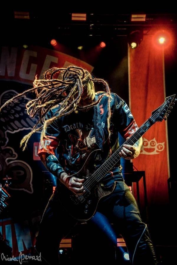 Five Finger Death Punch vsadili pro změnu na …