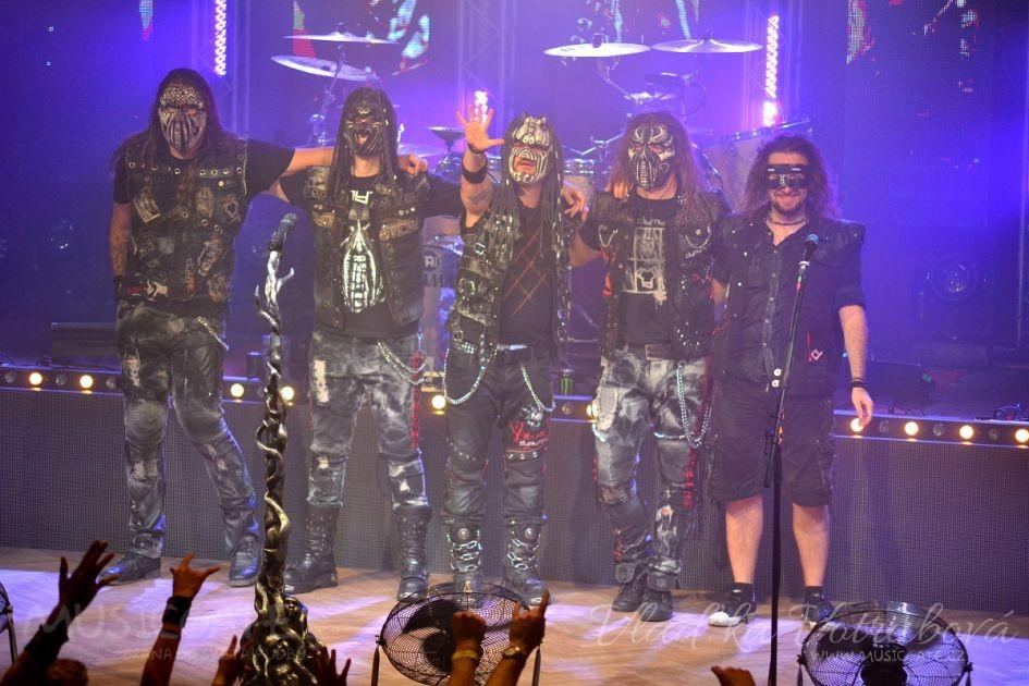 Jedna z nejúspěšnějších metalových skupin …