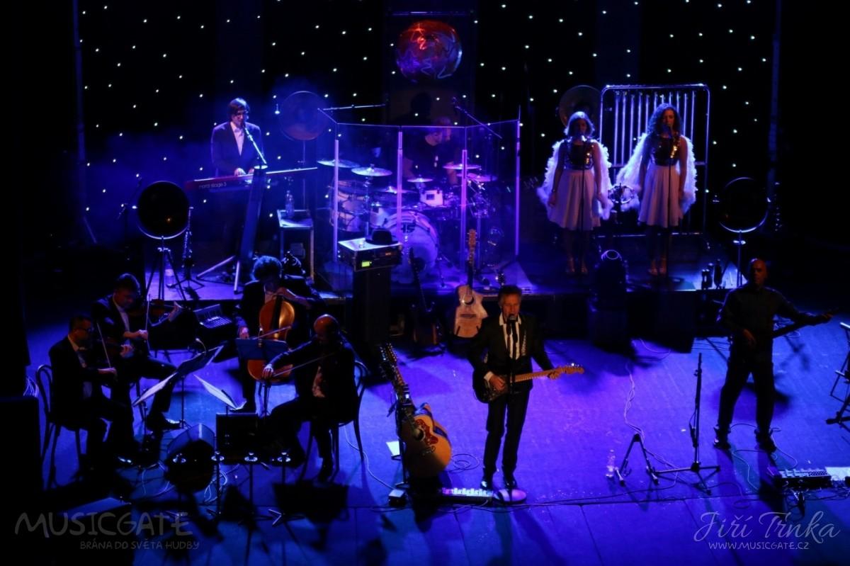 Druhá polovina koncertu začala kolem deváté …