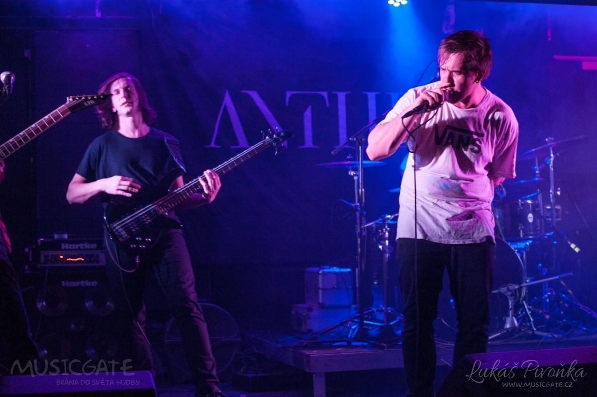 Večer odstartovala new wave - metalcorová …