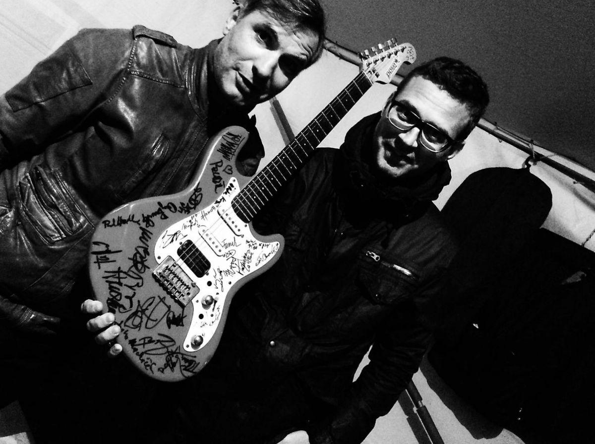 Zpěvák a kytarista Honza Homola zkapely …