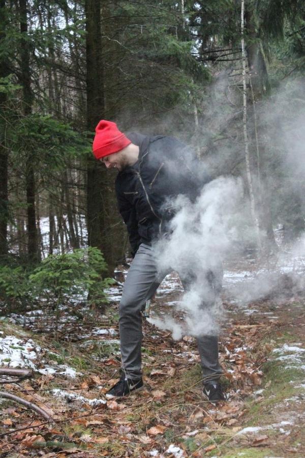 Celýklip se natáčel v brdských lesích, …