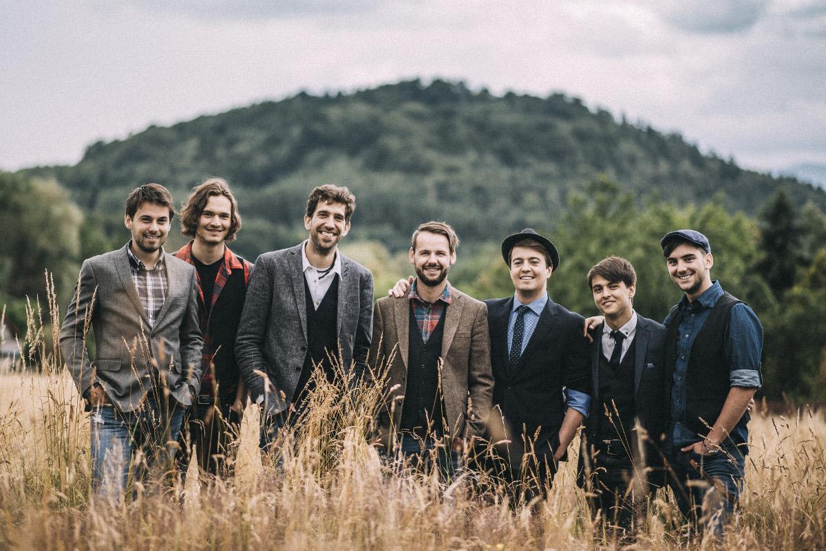 Živelní čeští muzikanti Jelen vypustili do …