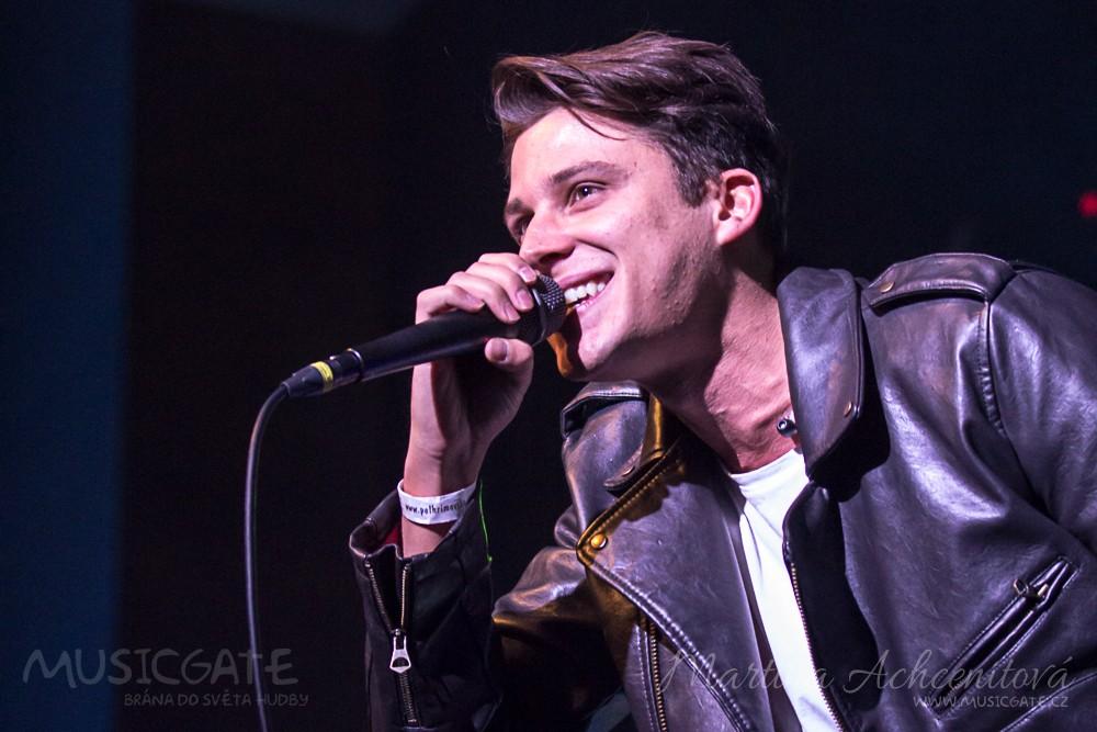 Druhým vystupujícím byl Sebastian, zpěvák, …