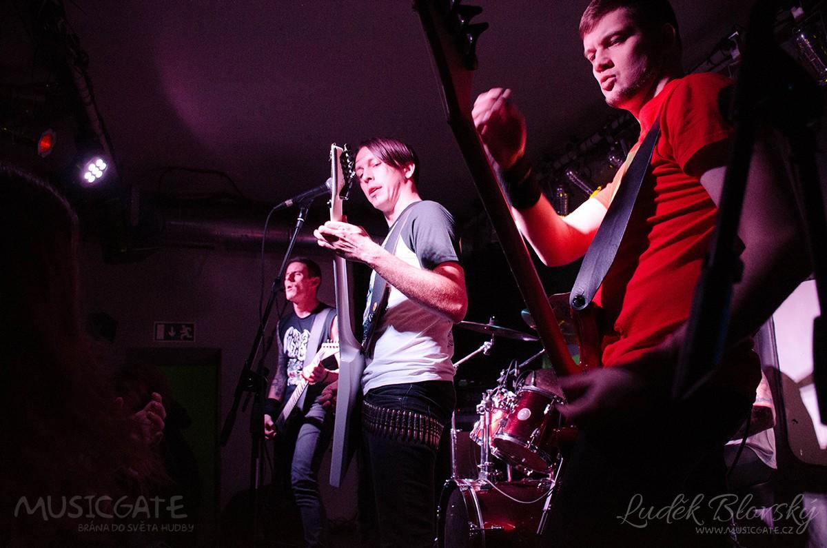 Pražský thrash metal zastupovala skupina Kaar. …
