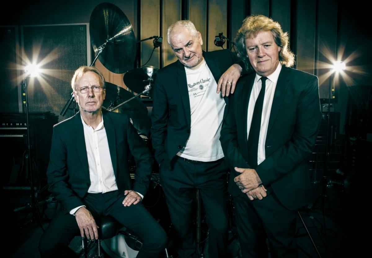 JCM je nedávno zformovaná kapela tří bývalých …