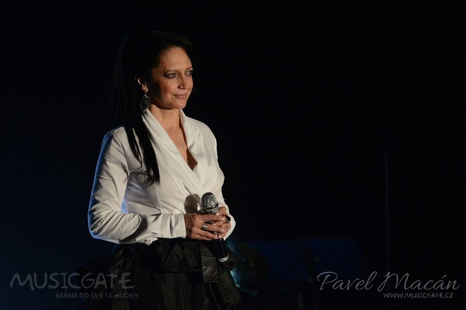 Nádherný, andělský hlas Lucie Bílé, vynikající …