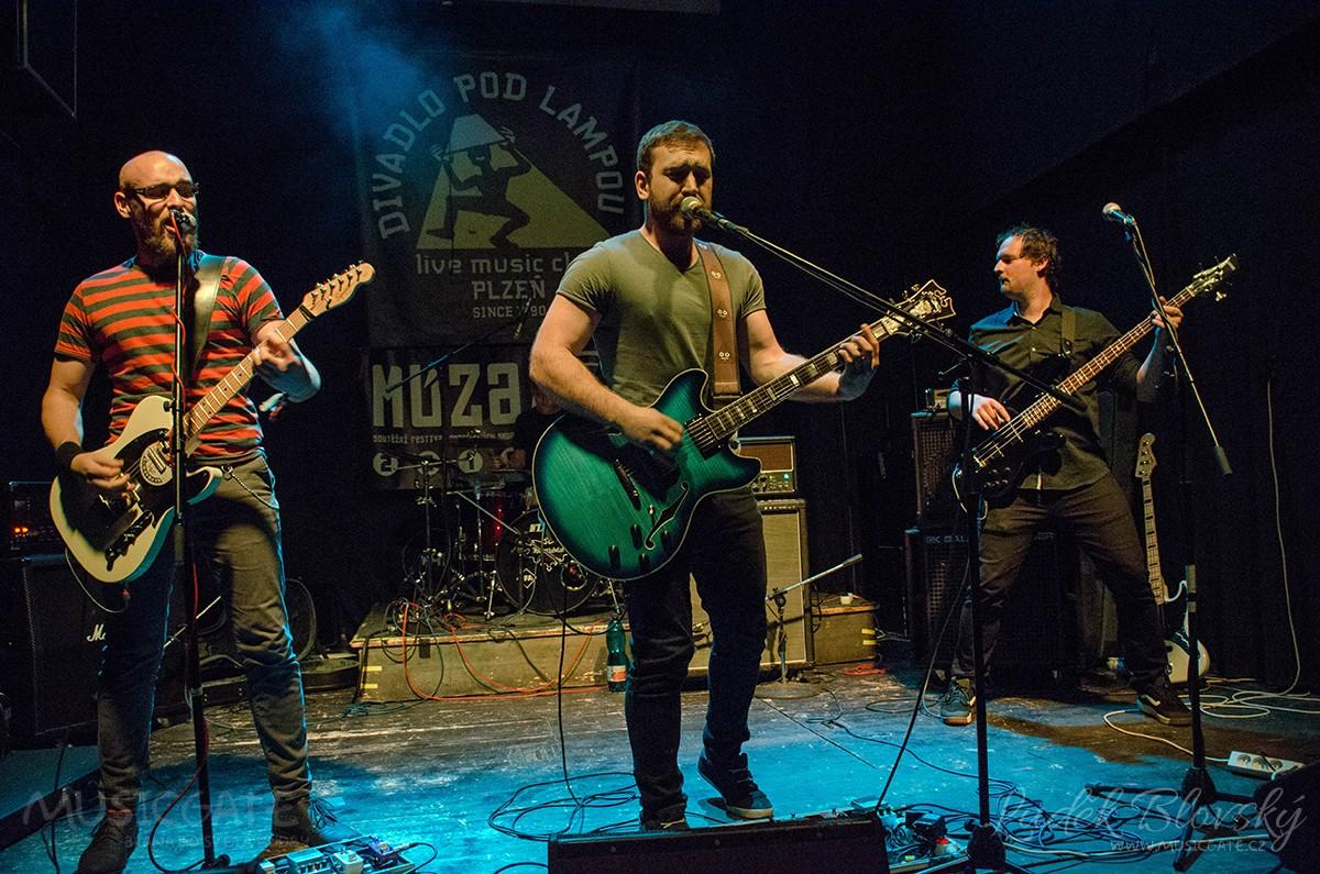 The Hows je název plzeňské grunge hard rockové …