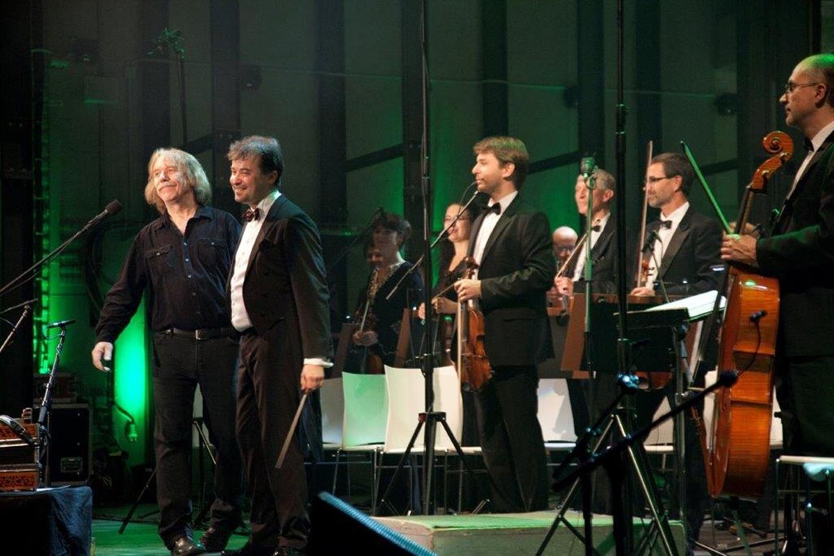 Autorem symfonických aranží je dirigent …