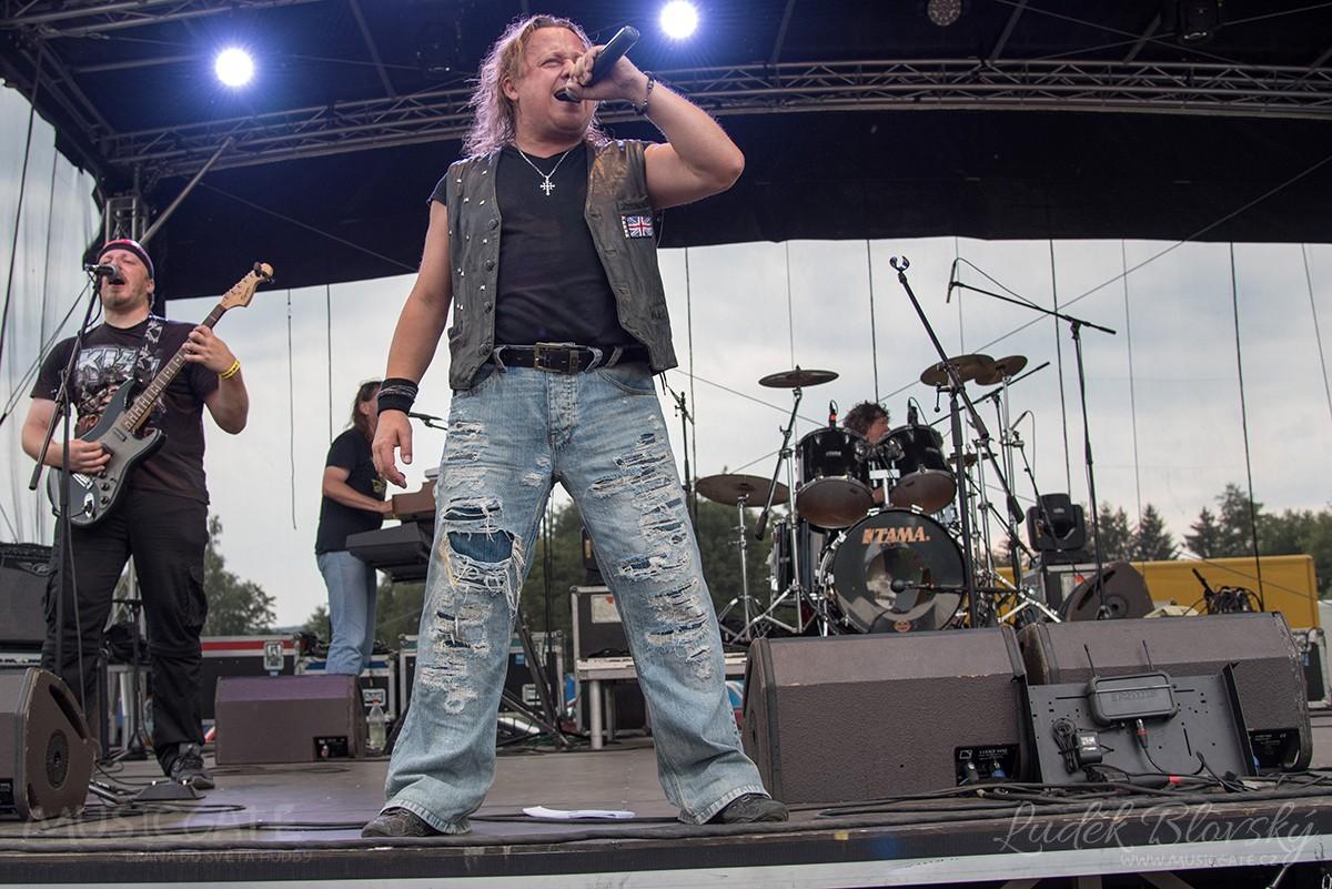 Plzeňská ikona Sifon rock sJirkou Vébrem …