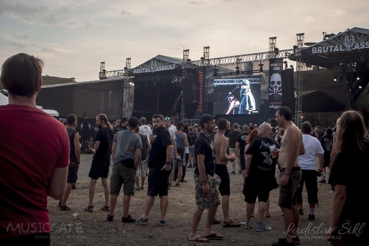 Co se týká ubytování účastníků festivalu a …