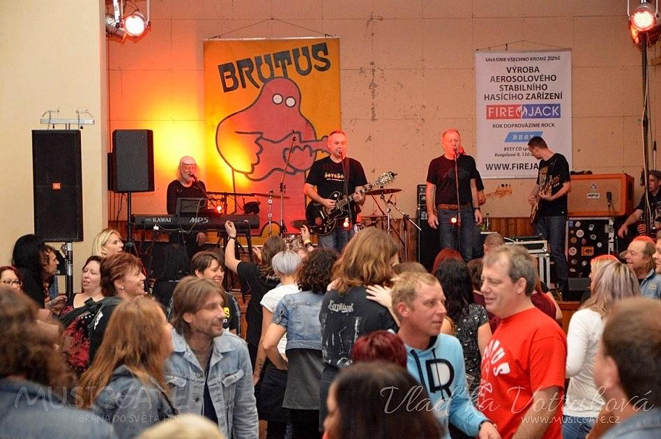 A jak už to u většiny kapel bývá, i Brutus …