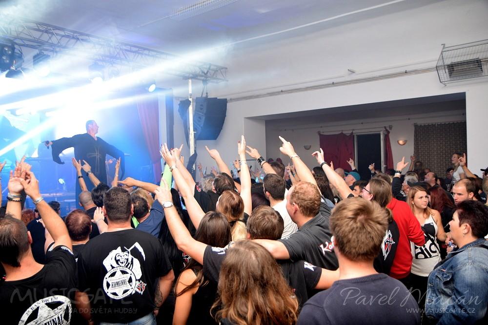 Legendární metalová skupina Komunál v čele s …