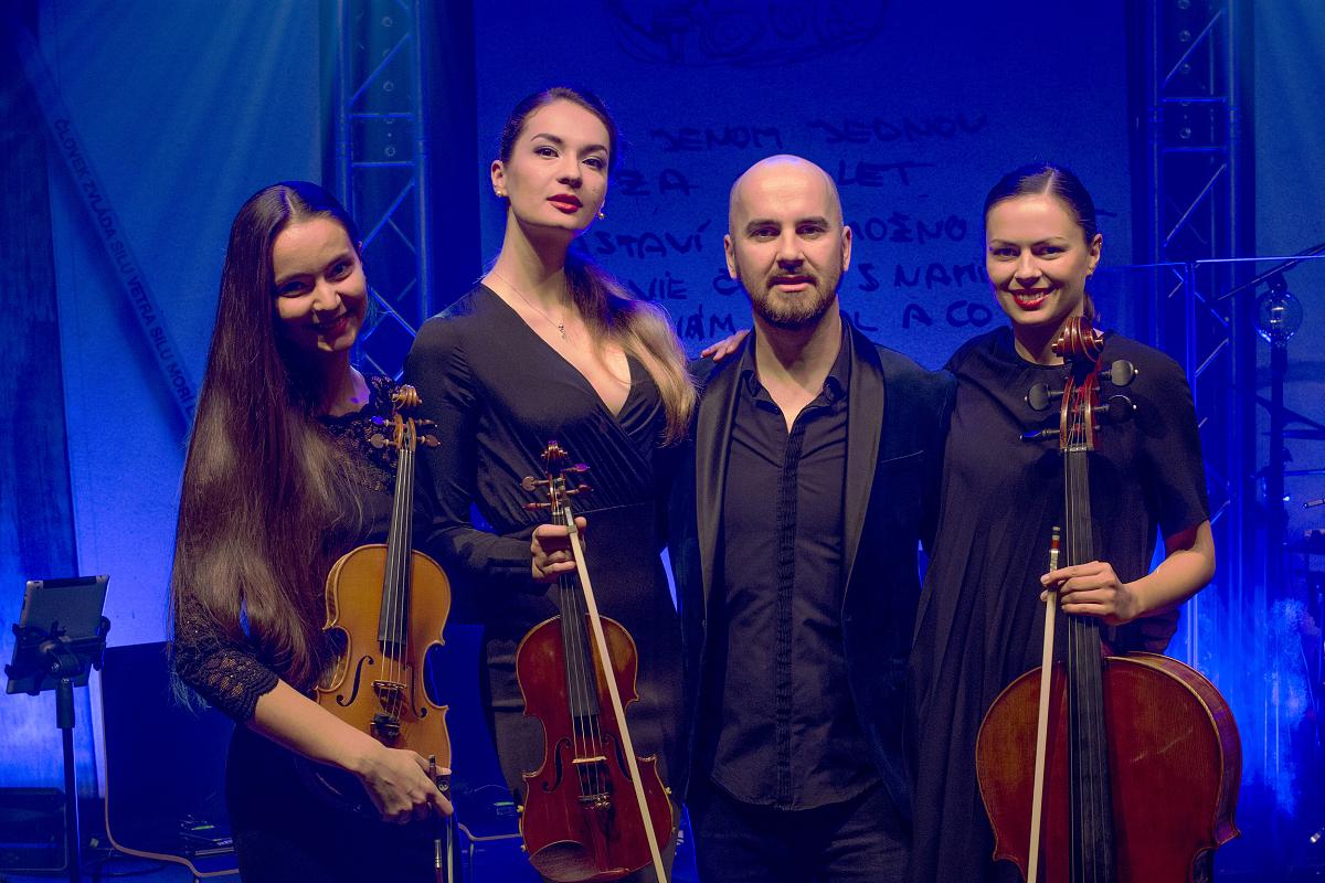 Smyčcové kvarteto tvoří talentované a …