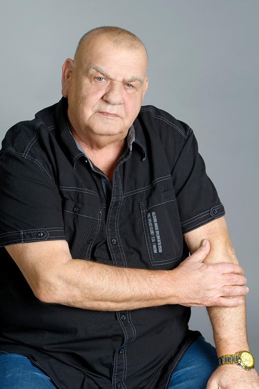 Legendární zpěvák a kytarista František Nedvěd …