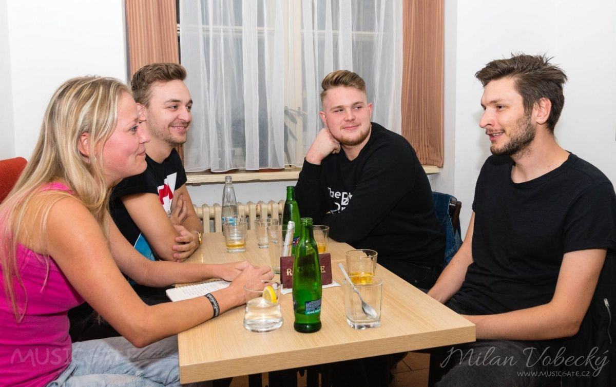 ROZHOVOR: Molotov party