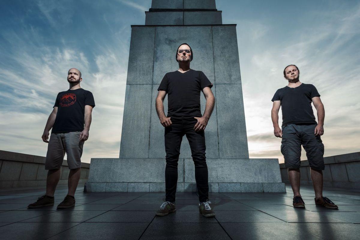 Between The Planets vydávají druhé album