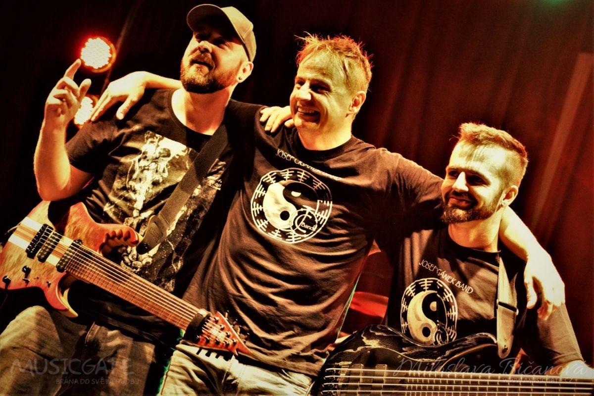 Klub Mír Uherské Hradiště ožil skupinou Josef Cigánek band a kapelou Motorgang