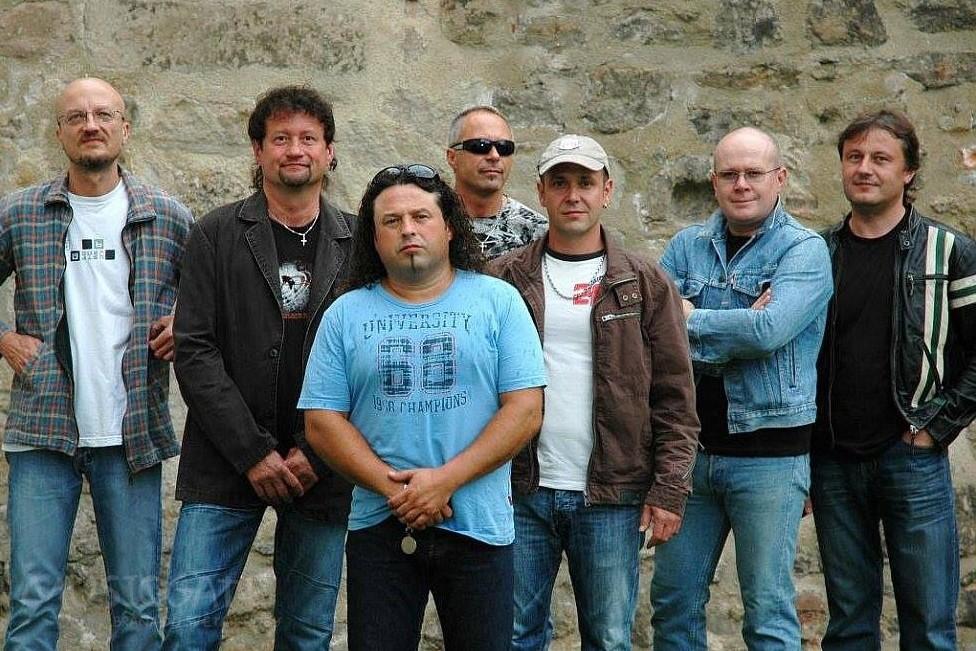 EXTRA BAND revival s hostem Radkem Zíkou – Velikonoční speciál!