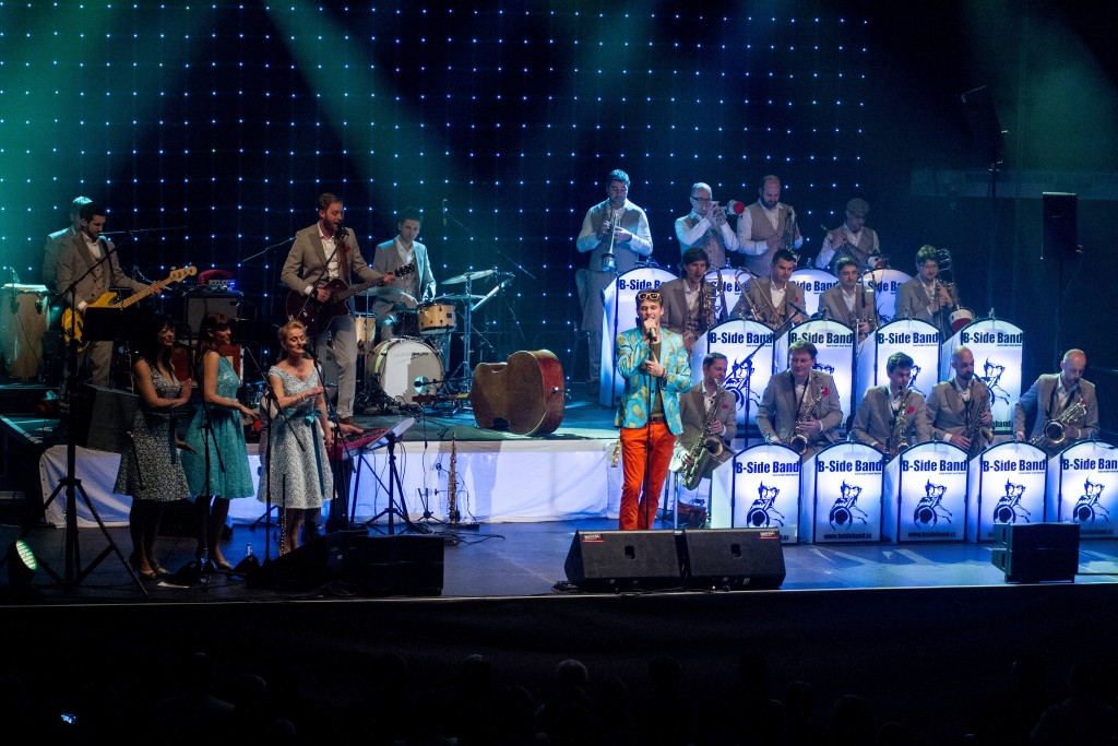 Vojtěch Dyk & B-Side Band + The Puppini Sisters