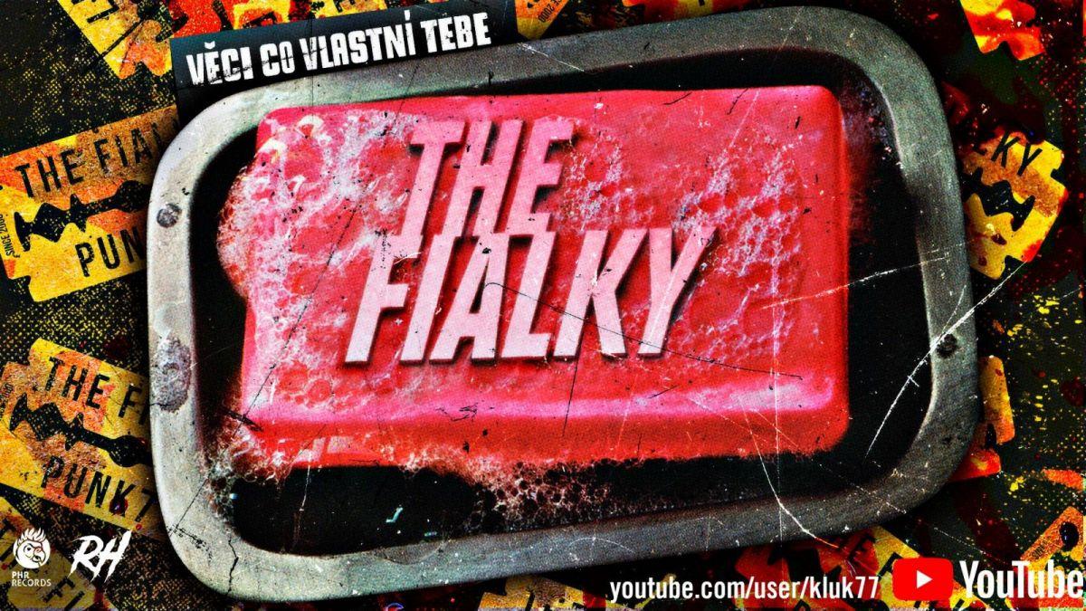 The Fialky v novém šíleném klipu citují Chucka Palahniuka!