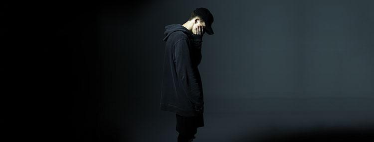 Rapper NF si v dubnu střihne svou pražskou premiéru