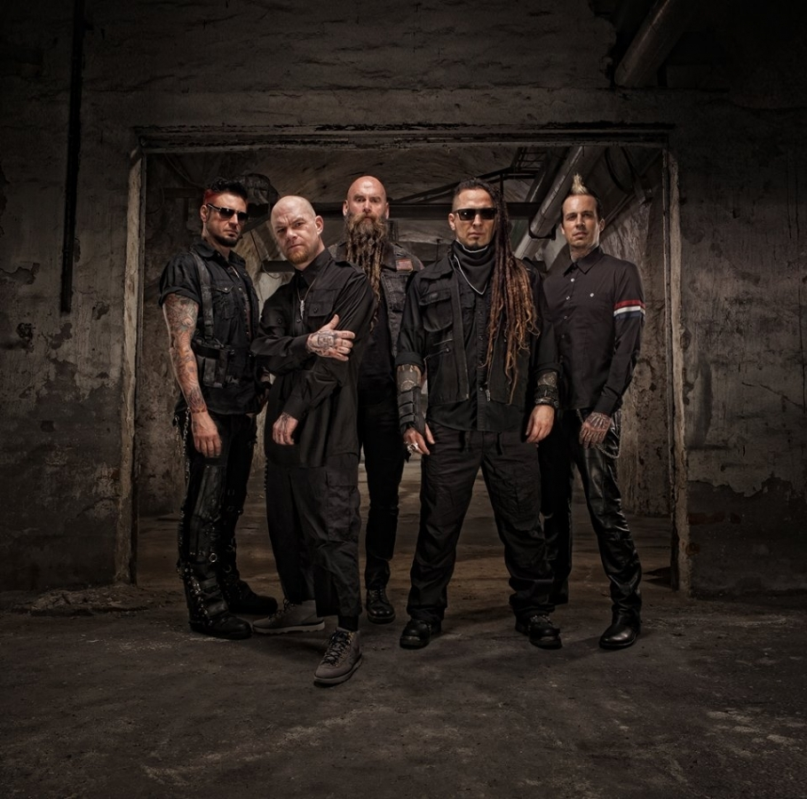 Five Finger Death Punch si pohráli se songem od The Offspring