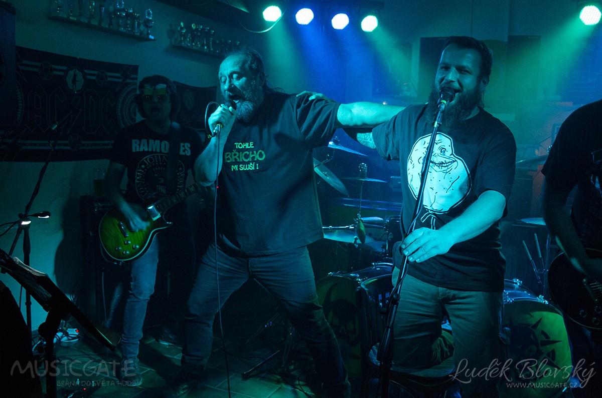 Pozdní rocková nadílka ve Skašově
