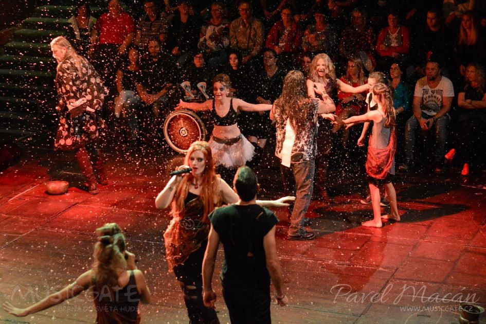 RockOpera Praha odstartuje novou sezónu s oblíbeným Oidipem Tyranem a skupinou Rheia!