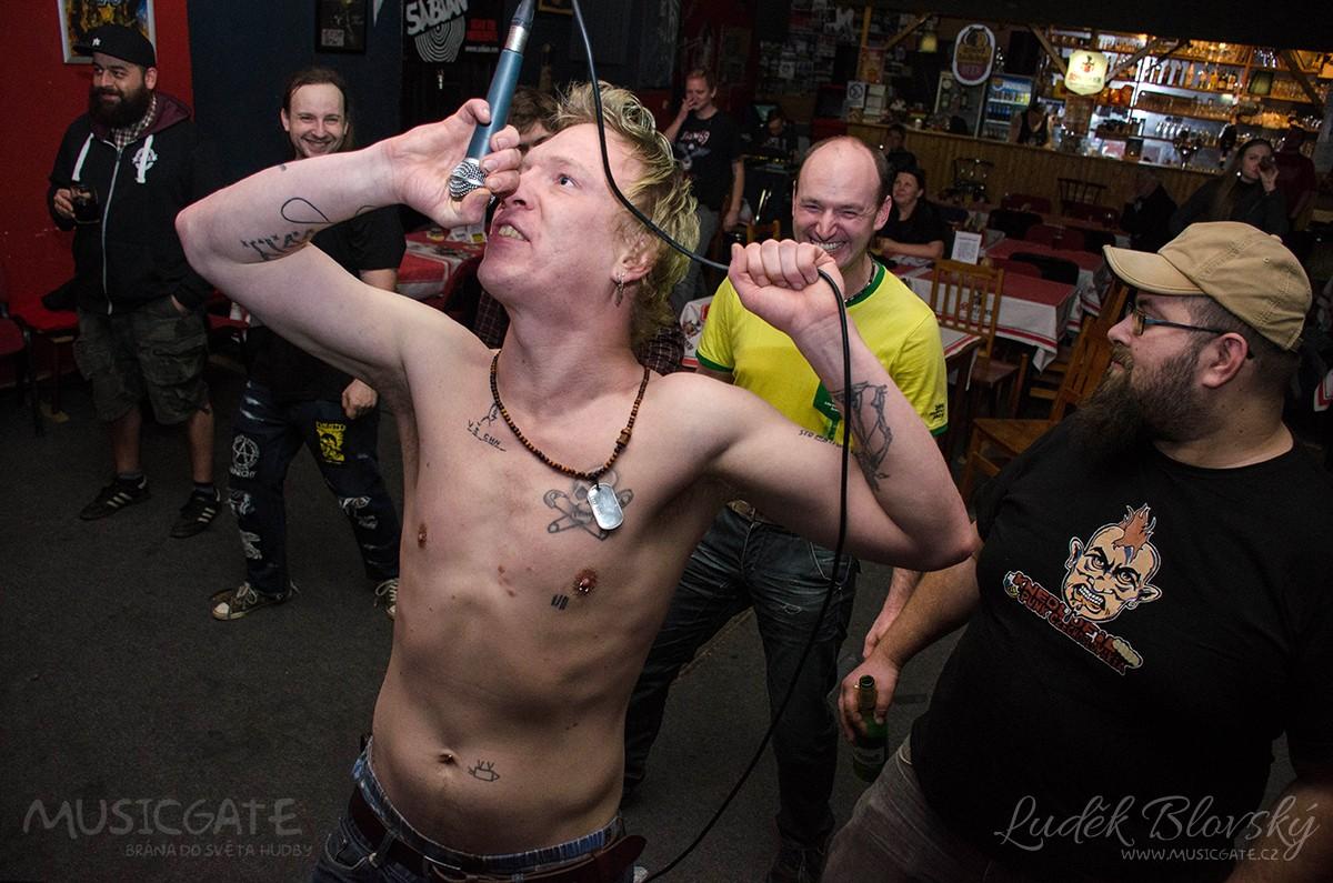 Punkový festival v RC Prdel Beroun