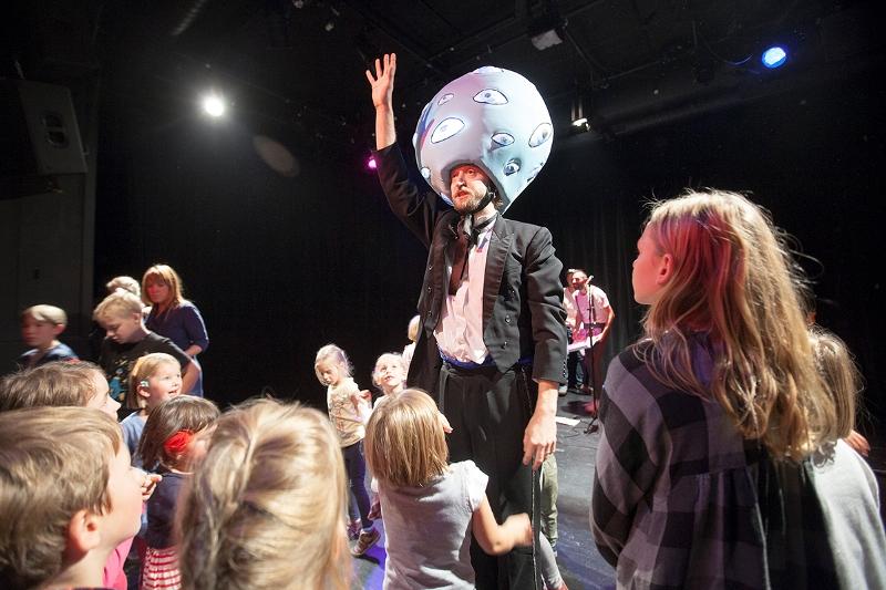 Struny dětem v Minoru otevřou jaro s Thomem Artwayem, Epoque Quartetem i oblíbenými Pišlickými příběhy